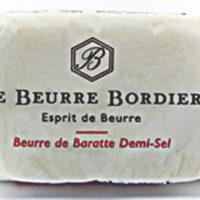 Franse boter - Handgeslagen gezouten boter - Beurre tapé demi sel 125 - Bretagne - 1011006